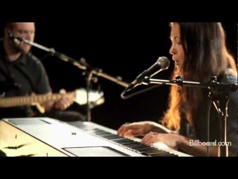 Carousel (Live Acoustic) | Vanessa Carlton
