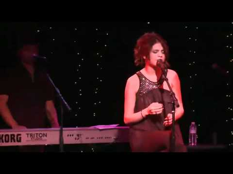 Selena Gomez & the Scene Covers Mama Do by Pixie Lott - UNICEF Charity Concert (Live @ The Roxy)