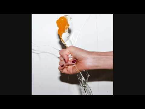 Dragon Queen - Yeah Yeah Yeahs
