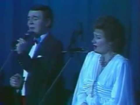 Silent Night! Holy Night! (Magomayev and Sinyavskaya)