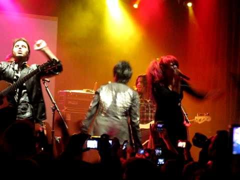 Adam Lambert, Kris Allen, Allison Iraheta - Crazy - Feb 12