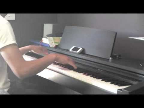 Sam - Dynamite Love The Way You Lie Teenage Dream (MASHUP played by Leon Sidik on the Piano)